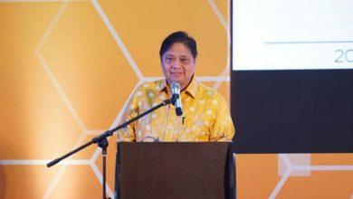 Photo of Menko Perekonomian Airlangga Minta Presiden Tetapkan Dua RUU Prioritas Tahun Ini