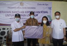 Photo of Puteri Komarudin Salurkan Paket Sembako Bagi Korban Tanah Longsor di Purwakarta