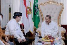 Photo of Silaturahmi Kediaman Habib Luthfi Pekalongan, Airlangga: Beliau Orang Tua Kita